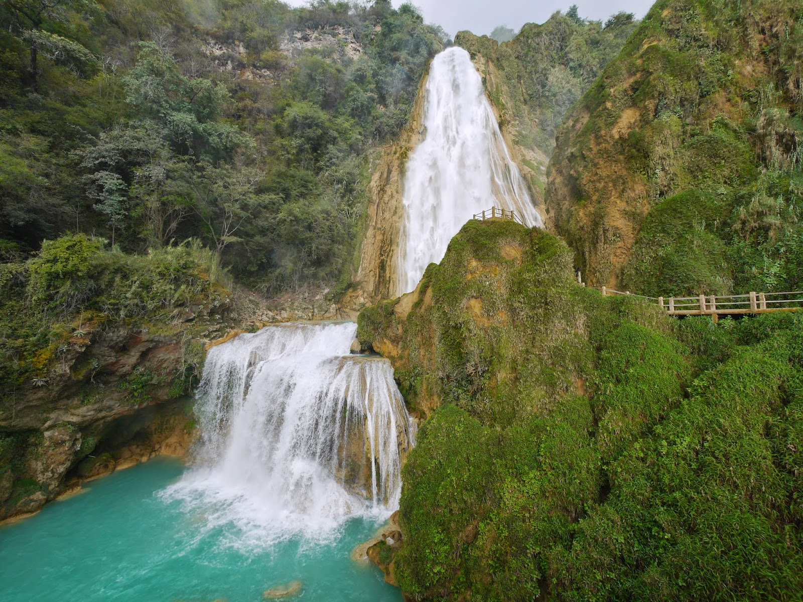 Las bellas cascadas el chifl n revista v a m xico for Motor para cascada de agua